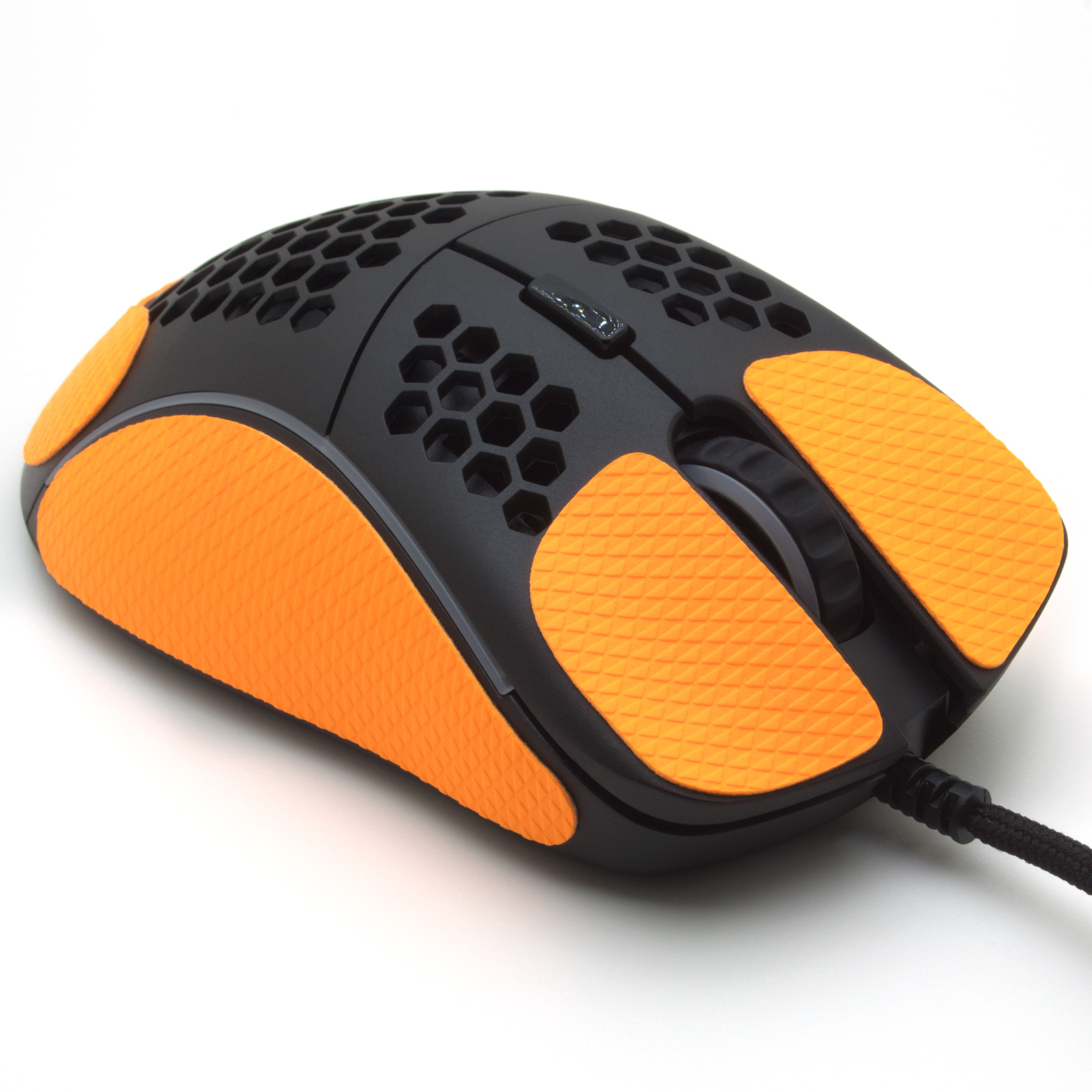Grip pour souris Glorious model D de la marque TrueGrip - vue avant droit